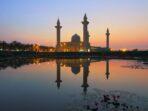Khutbah Jumat Dengan Tema Hubungan Sesama Manusia di Bulan Syawal