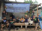Rumah Produksi KUPS Lojo' Kleppaa yang dibangun masyarakat secara swadaya saat sedang bergotong-royong, Desa Sinar Wajo Kabupaten Tanjung Jabung Timur